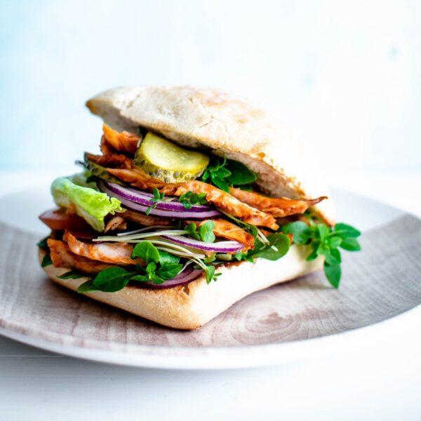 Sandwich mit Gurke – Manch ein Teamleiter fühlt sich wie die Gurke im Sandwich